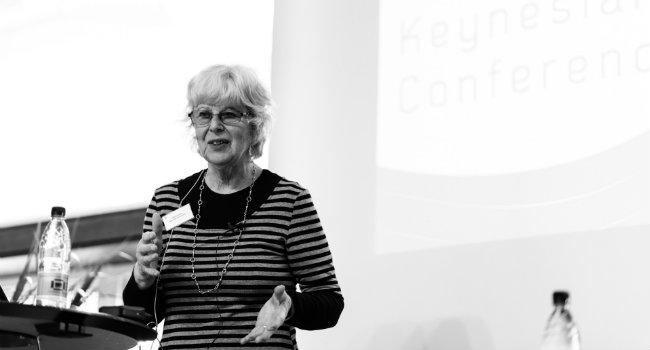 Sheila Dow, professor i Økonomi ved Stirling University.